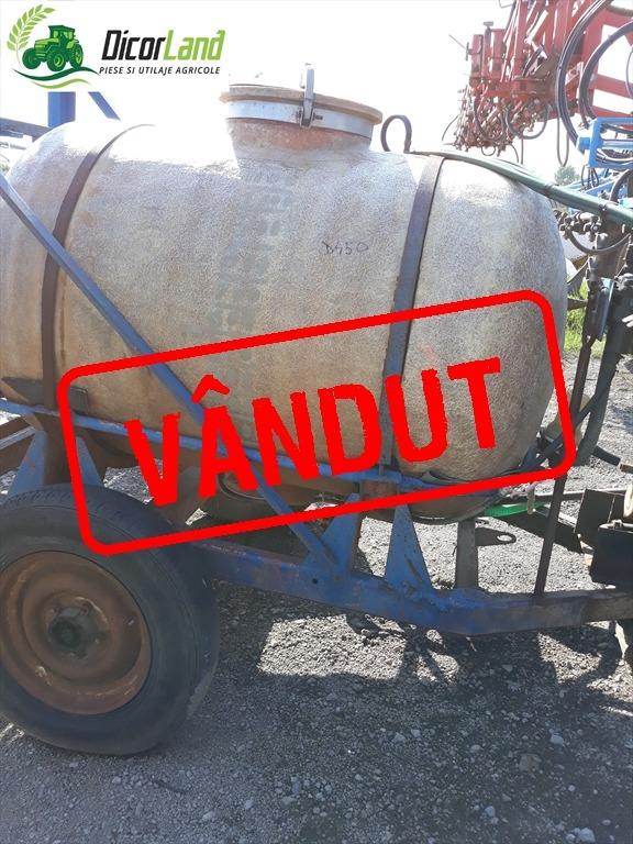 Masina de erbicidat 2000 litri