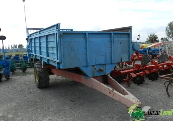 Remorca romaneasca de imprastiat gunoi, capacitate 5 tone