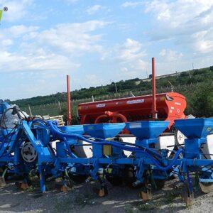Semanatoare de plante prasitoare, marca Mecanica Ceahlau, model  SPC 8 FS