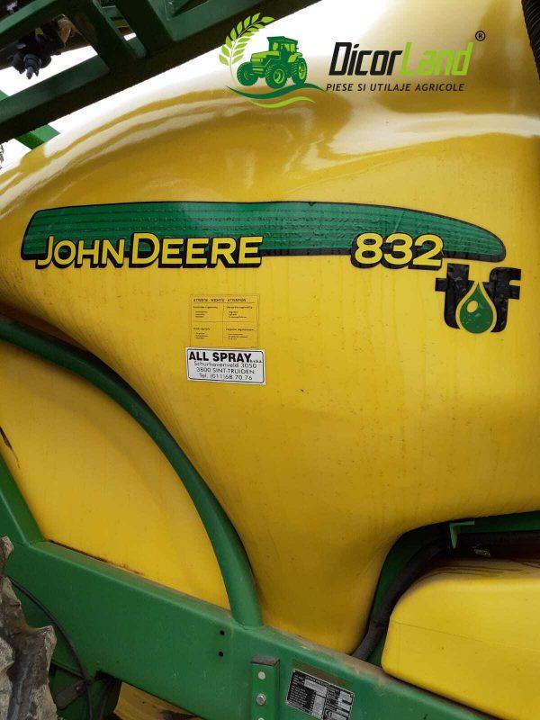Masina de erbicidat tractata – John Deere